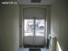 Сдам не дорого  137 кв.м. в центре под торговлю, офис